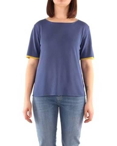 Modrý sveter Niu'
